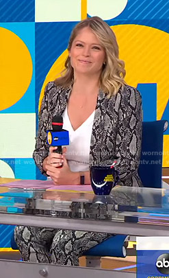 Sara's snake print suit on Good Morning America