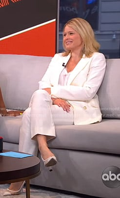 Sara's white suit on GMA Strahan And Sara