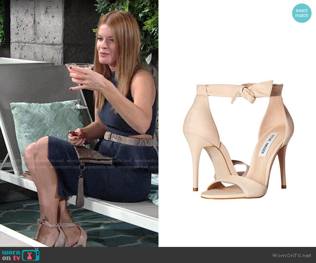 Steve Madden Bowwtye Sandal worn by Phyllis Summers (Michelle Stafford) on The Young & the Restless
