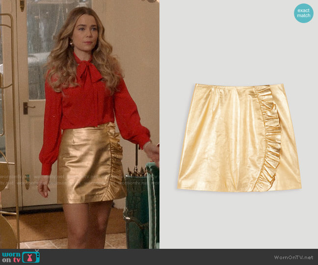 Tara Jarmon Metallic Gold Leather Skirt worn by Ainsley Howard (Rebecca Rittenhouse) on Four Weddings & a Funeral