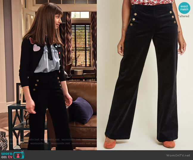 The Madison Pant in Black by Modcloth worn by Molly (Lauren Lindsey Donzis) on No Good Nick