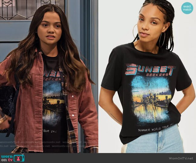 Sunset Seekers T-Shirt by Topshop worn by Nick (Siena Agudong) on No Good Nick