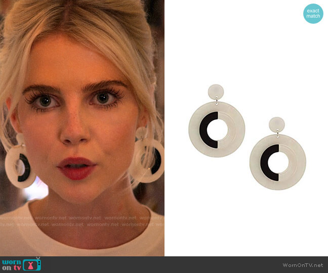 8 Other Reasons Fame Hoops worn by Astrid (Lucy Boynton) on The Politician
