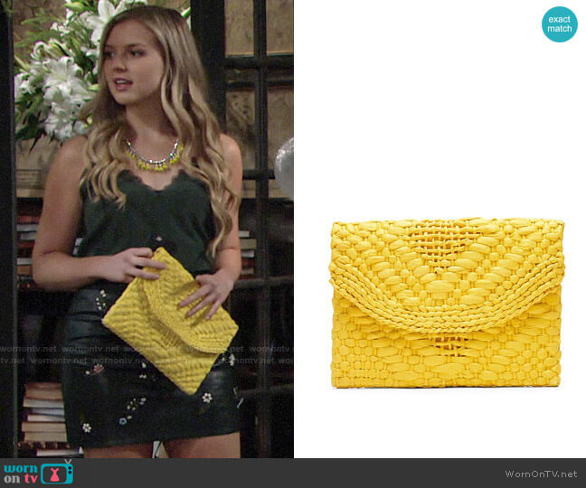 Banana Republic Yellow Straw Clutch worn by Zoe Hardisty (Anna Grace Barlow) on The Young & the Restless