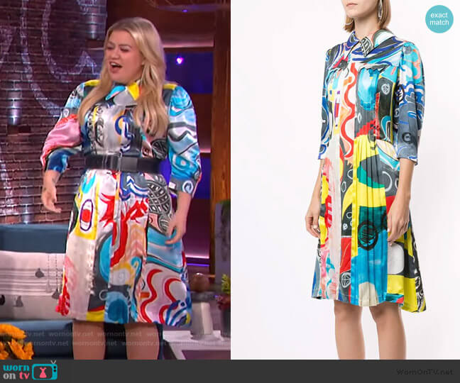 Printed Silk Shirt Dress by Charles Jeffrey Loverboy worn by Kelly Clarkson  on The Kelly Clarkson Show
