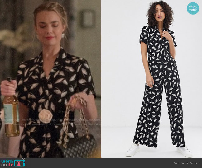 Finery Alida Winter Feathers Print Jumpsuit worn by Ainsley Howard (Rebecca Rittenhouse) on Four Weddings & a Funeral