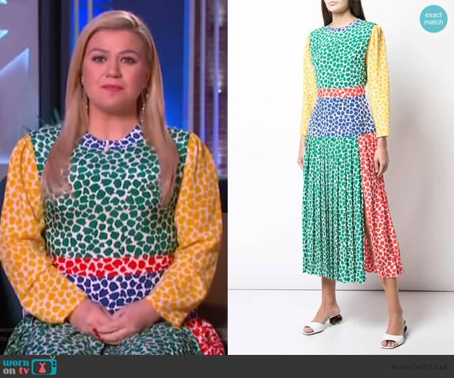 Patterned Pleat Dress by Rixo worn by Kelly Clarkson  on The Kelly Clarkson Show
