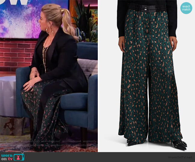 Leopard-Print Satin Wide-Leg Pants by Sacai worn by Kelly Clarkson  on The Kelly Clarkson Show