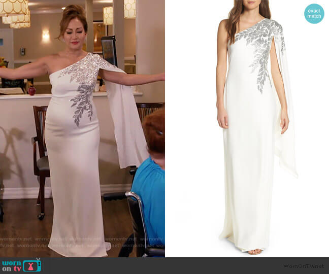 Cape Sleeve Crepe Evening Dress by Tadashi Shoji worn by Carrie Inaba  on The Talk