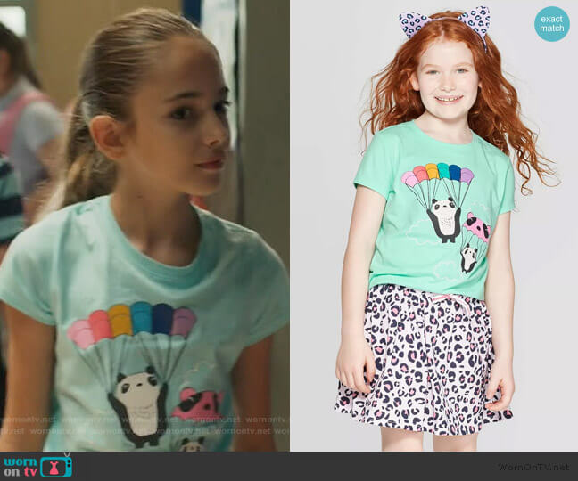 Parachuting Panda T-Shirt by Cat & Jack at Target worn by Anna-Kat Otto (Julia Butters) on American Housewife