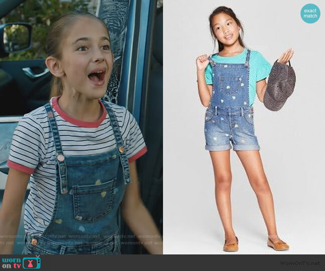 Denim overalls with Hearts by Target worn by Anna-Kat Otto (Julia Butters) on American Housewife