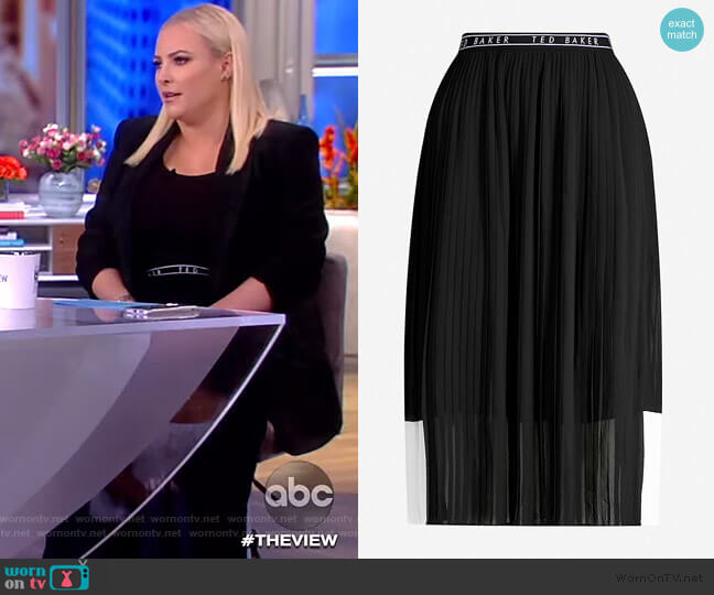 Colour-block pleated crepe skirt by Ted Baker worn by Meghan McCain  on The View