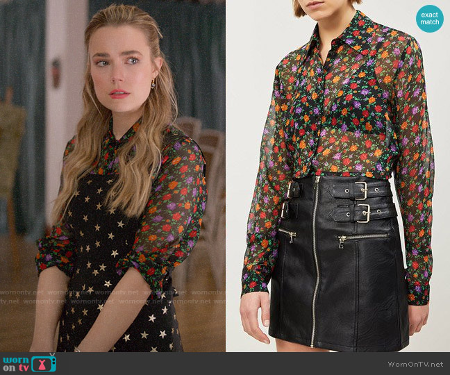 The Kooples Floral-print cropped silk-chiffon shirt worn by Ainsley Howard (Rebecca Rittenhouse) on Four Weddings & a Funeral