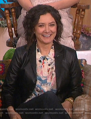 Sara's beige bird print blouse on The Talk