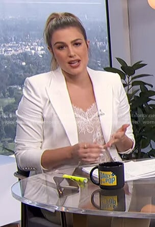 Carissa's white blazer on E! News Daily Pop