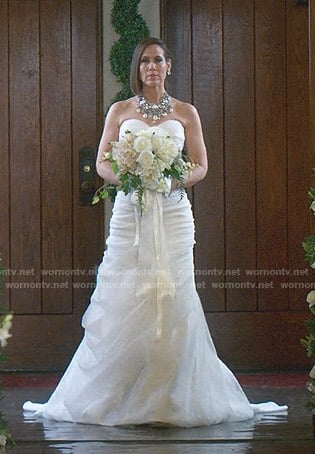 Diana's wedding dress on Younger