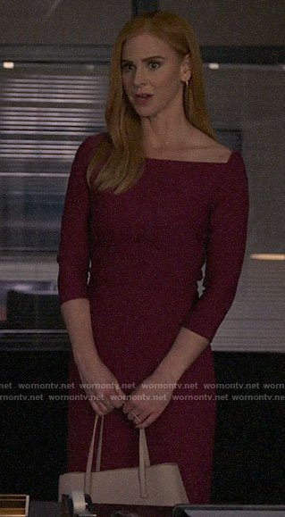 Donna's pink sheath dress on Suits