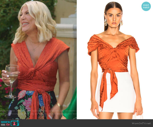 Preambulo Amoroso Top by Johanna Ortiz worn by Tori Spelling  on BH90210