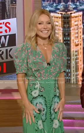 Kelly's green floral v-neck dress on Live with Kelly and Ryan