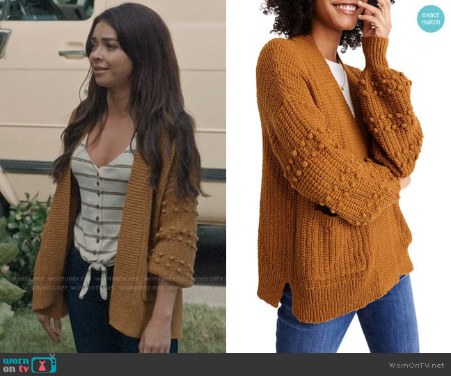 Madewell Bobble Cardigan Sweater in Egyptian Gold worn by Haley Dunphy (Sarah Hyland) on Modern Family