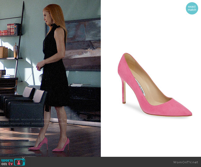 Manolo Blahnik BB Pointy Toe Pump in Bright Pink Suede  worn by Donna Paulsen (Sarah Rafferty) on Suits