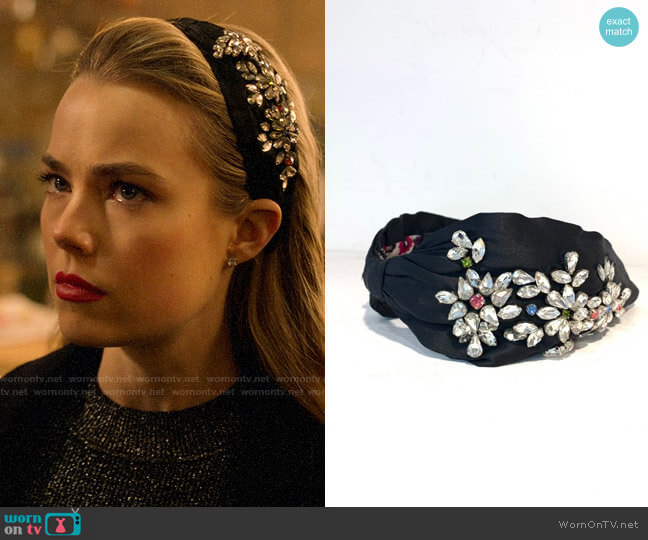Namjosh Headband Decorated With Stones worn by Ainsley Howard (Rebecca Rittenhouse) on Four Weddings & a Funeral
