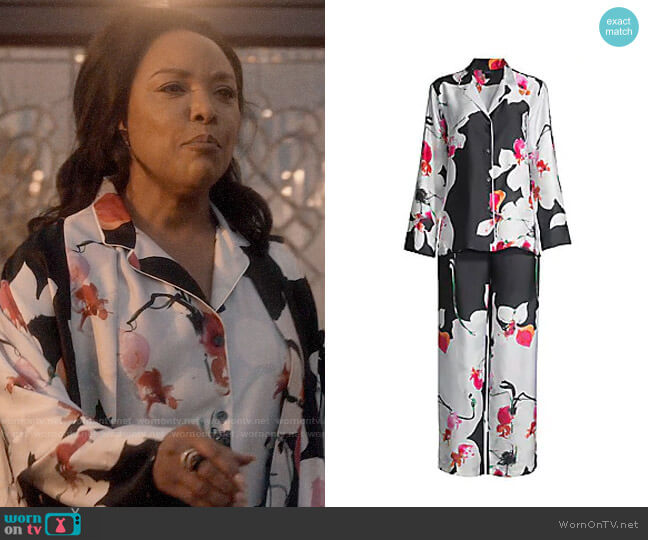 Natori Cattleya Pajama Set worn by Lady Mae Greenleaf (Lynn Whitfield) on Greenleaf