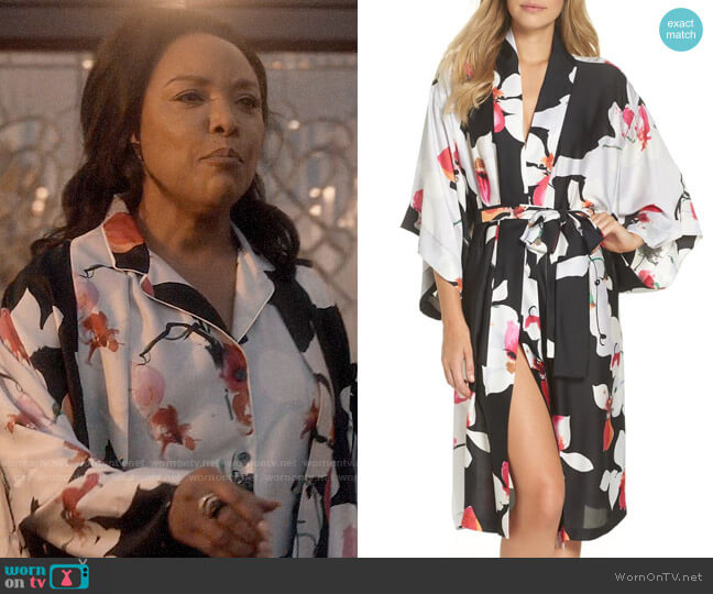 Natori Cattleya Robe worn by Lady Mae Greenleaf (Lynn Whitfield) on Greenleaf