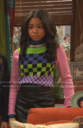 Nia's mixed checkerboard sweater on Ravens Home