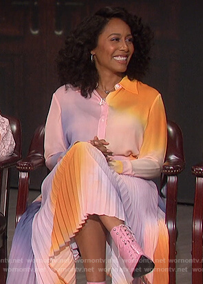 Simone Missick's ombre blouse and skirt on The Talk