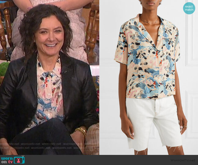 Printed Voile Shirt by Re/Done worn by Sara Gilbert  on The Talk