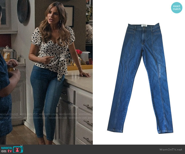 Reformation Suzie Jeans worn by  Gloria Pritchett (Sofia Vergara) on Modern Family