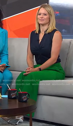 Sara's green pants on GMA Strahan Sara And Keke
