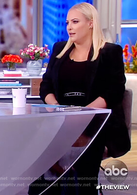 Meghan's black pleated skirt on The View