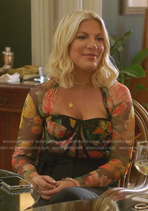 Tori's floral bustier top on BH90210