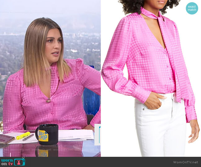Nicky Top by Veronica Beard worn by Carissa Loethen Culiner  on E! News