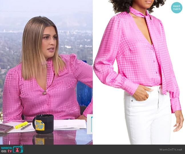 Nicky Top by Veronica Beard worn by Carissa Loethen Culiner  on E! News