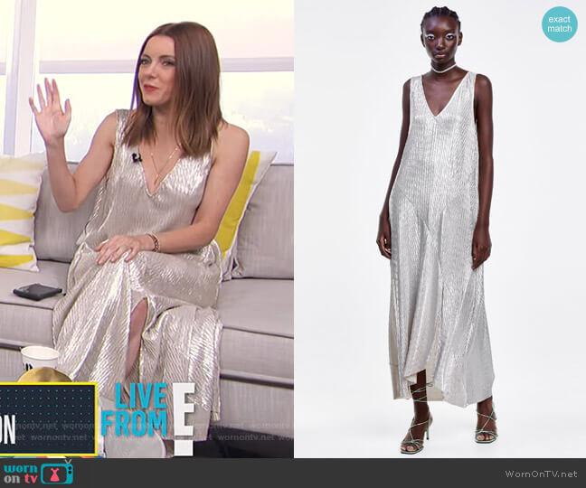 Metallic Wrinkle Look Dress by Zara worn by Melanie Bromley  on E! News