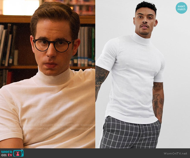 ASOS DESIGN knitted muscle fit turtleneck t-shirt in white worn by Payton Hobart (Ben Platt) on The Politician
