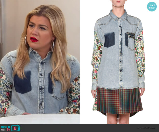 Floral-Sleeve Denim Shirtdress by Antonio Marras worn by Kelly Clarkson  on The Kelly Clarkson Show