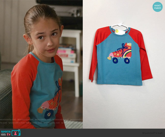 Rollerskate Applique Raglan by Boden worn by Anna-Kat Otto (Julia Butters) on American Housewife