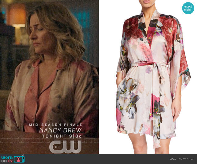 Christine Lingerie Camille Short Robe worn by Alice Cooper (Mädchen Amick) on Riverdale
