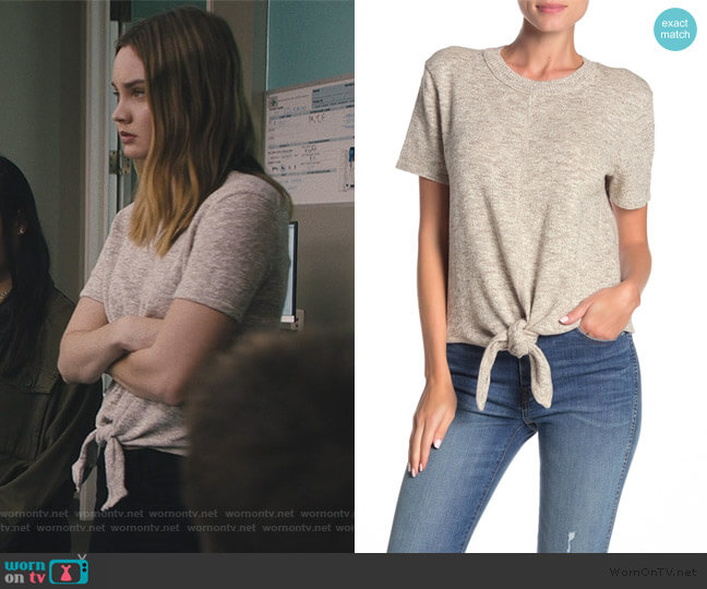 Knot-Front Sweater T-Shirt by Madewell worn by McKenna Brady (Liana Liberato) on Light as a Feather