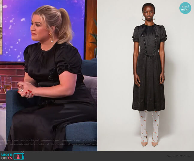 New York Magazine The 40's Dress by Marc Jacobs worn by Kelly Clarkson  on The Kelly Clarkson Show