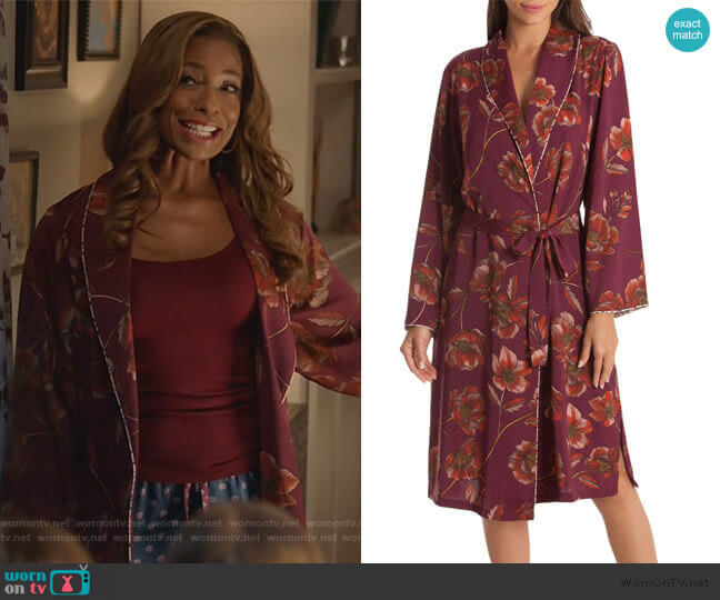 Austin Floral Robe by Midnight Bakery worn by Poppy (Kimrie Lewis) on Single Parents