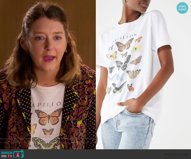 Butterfly Crew Neck Tee by Urban Outfitters worn by Nonnie Thompson (Kimmy Shields) on Insatiable