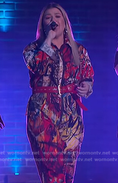 Kelly's graffiti print jumpsuit on The Kelly Clarkson Show