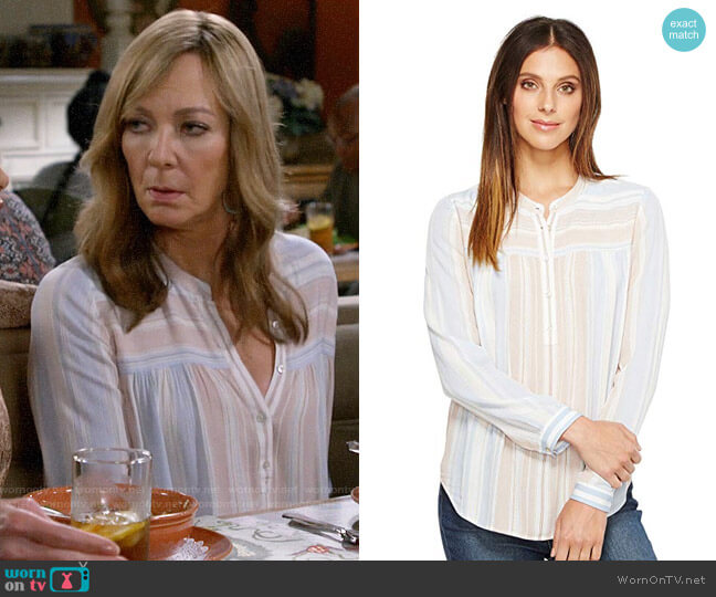 AG Adriano Goldschmied Jess Top worn by Bonnie Plunkett (Allison Janney) on Mom