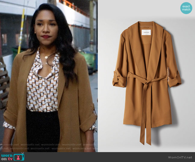 Aritzia Babaton Kahlo Robe Mid worn by Iris West (Candice Patton) on The Flash