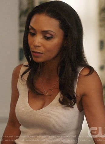 Cecile's off-white ribbed tank top on The Flash